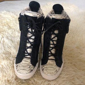 giuseppe zanotti snake print heel boots